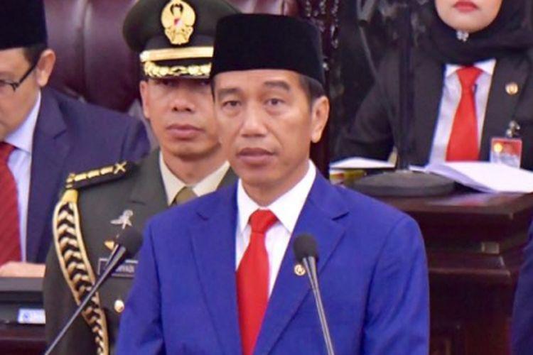 Presiden Joko Widodo saat berpidato di Sidang Tahunan MPR RI 2018 di Gedung Parlemen, Senayan, Jakarta, Kamis (16/8/2018).