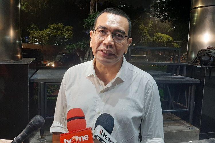 Staf Khusus Menteri BUMN Arya Sinulingga memberi keterangan kepada wartawan di Gedung Merah Putih KPK, Kamis (5/12/2019).
