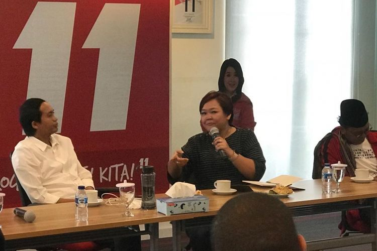 Presidium Masyarakat Anti Fitnah Indonesia (Mafindo) Anita Wahid saat mengunjungi Markas Dewan Pimpinan Pusat (DPP) PSI, Jakarta Pusat, Rabu (9/1/2019).