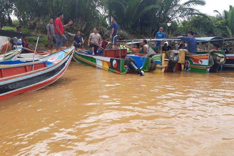 Proses pencarian lima penumpang speedboat yang hilang di kawasan Penugukan, Kabupaten Musi Banyuasin, Sumatera Selatan, Rabu (5/8/2020).