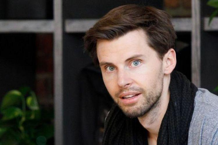 Justin McLeod, pendiri aplikasi kencan Hinge. McLeod mendirikannya setelah mengalami patah hati karena diputus kekasihnya.