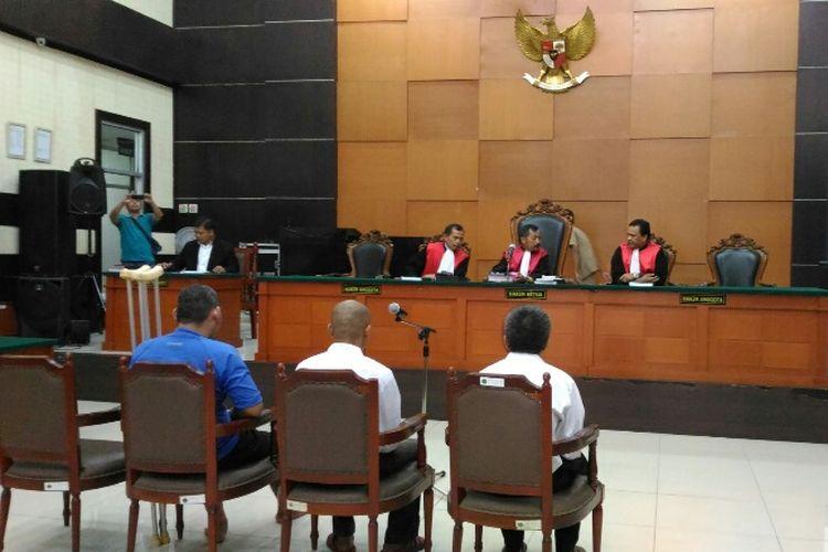 Ketiga terdakwa perampokan Pulomas hadiri sidang kesaksian korban di PN Jaktim, Kamis (6/7/2017).