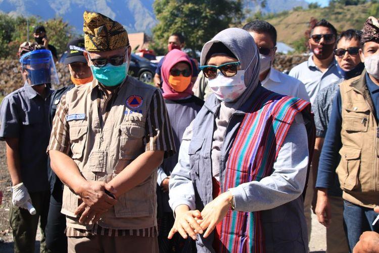 Wakil Gubernur NTB, Sitti Rohmi Djalilah saat menghadiri simulasi protokol kesehatan bagi wisatawan di pintu registrasi Balai Taman Nasional Gunung Rinjani (TNGR), Sembalun, Lombok Timur.