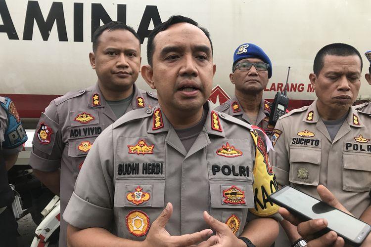 Kapolres Metro Jakarta Utara ditemui di depan Mapolres Metro Jakarta Utara memberikan keterangan terkait kasus perampasan dua truk tangki milik PT Pertamina (persero), Senin (18/3/2019)