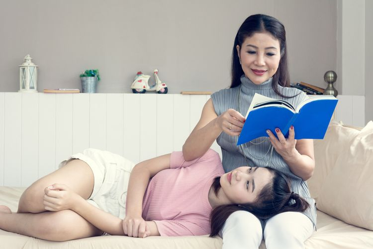 Ilustrasi ibu dan anak.