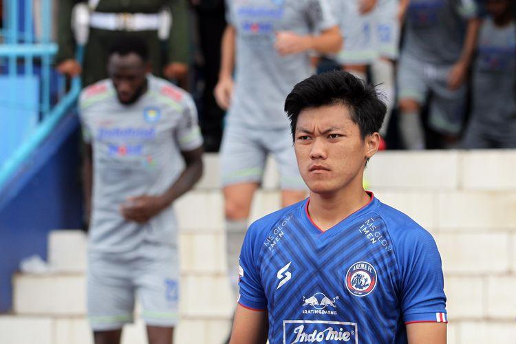 Debut Feby Eka Putra bersama Arema FC pada pekan kedua Liga 1 2020 melawan Persib Bandung yang berakhir dengan skor 1-2 di Stadion Kanjuruhan Malang, Jawa Timur, Minggu (08/03/2020) sore.