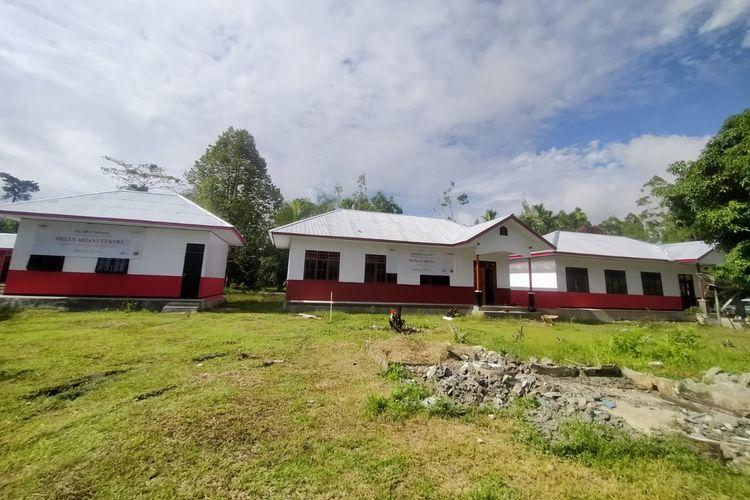 Yayasan Tunas Bakti Nusantara bekerja sama dengan Bosch Indonesia dan AFC Life Science merehabilitasi asrama untuk anak-anak suku pedalaman Papua yang bersekolah di SDN Muko Tanah Merah, Distrik Yaro, Nabire,. Serah terima asrama dilakukan pada Sabtu (15/8/2020).
