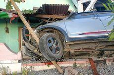Sopir Mengantuk, Mobil Tabrak Teras Warga di Wonogiri, 4 Orang Luka