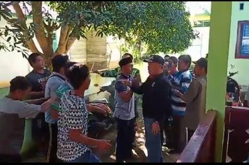Baku Hantam dan Kisruh Pembagian BLT di Balai Desa