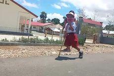 Banjir Bantuan untuk Yesi, Bocah SD yang Jalan Sejauh 1 Km ke Sekolah Pakai Tongkat