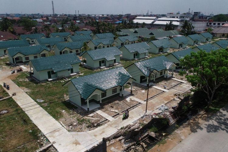 Pembangunan 50 unit rumah khusus (rusus) untuk TNI AD di Tanjungpura, Kalimantan Barat.