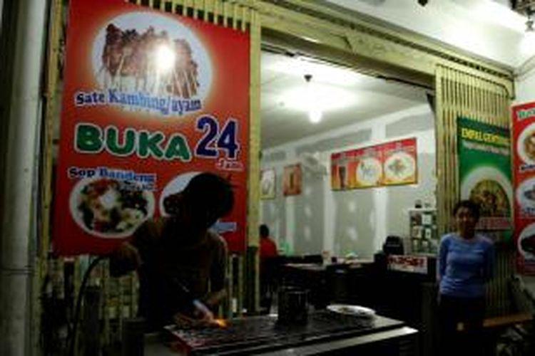 Restoran Empal Gentong Bang JT di Cirebon menawarkan empal gentong yang rendah lemak.