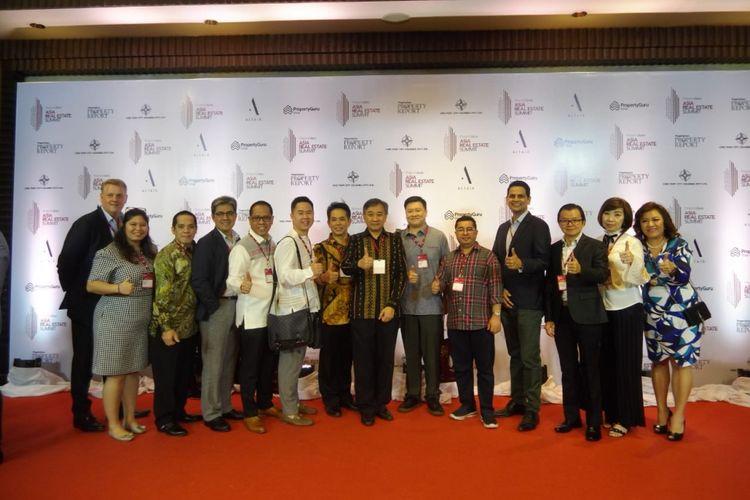 Doddy A Tjahjadi (tengah) di antara para peserta Asia Property Awards 2018.