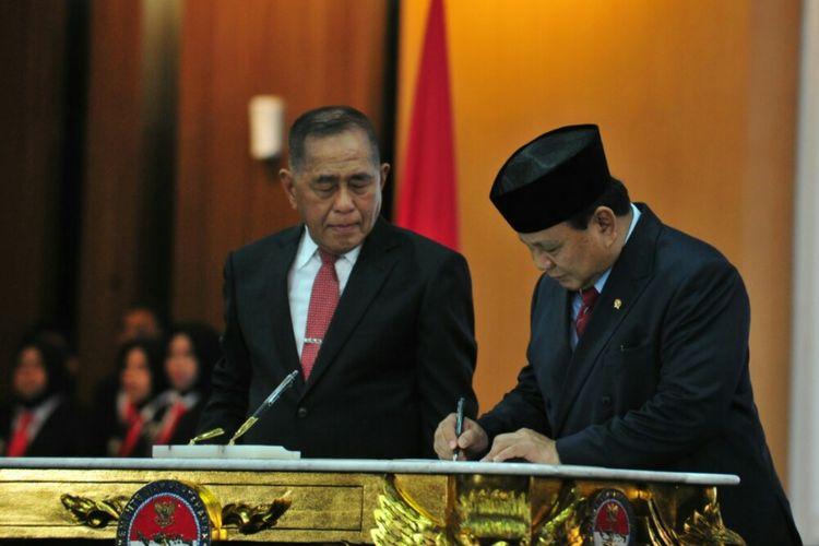 Serah Terima Jabatan Menhan, Ini Harapan Ryamizard kepada Prabowo