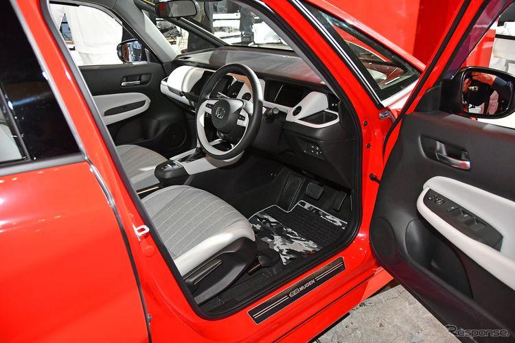 Tampak interior Honda Jazz versi Mugen yang tampak standar di Tokyo Auto Salon 2020