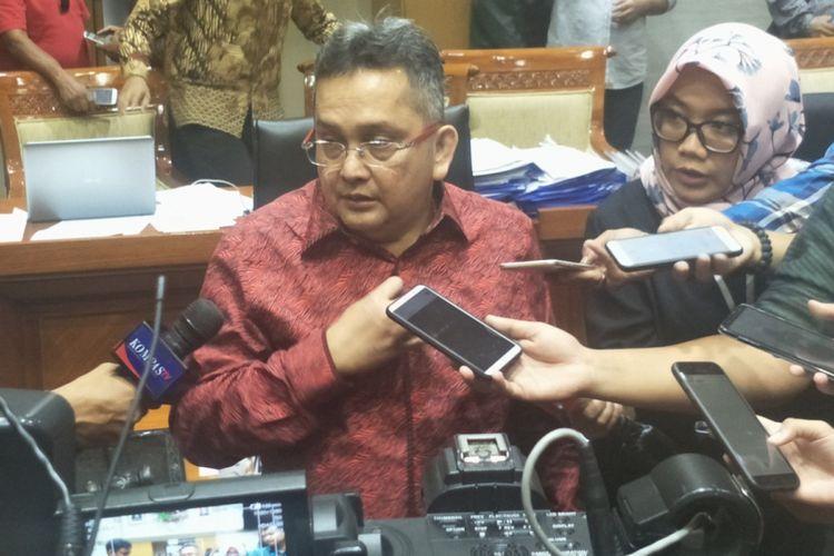 Wakil Ketua Komisi III Trimedya Panjaitan saat ditemui seusai Rapat Pleno di Kompleks Parlemen, Senayan, Jakarta, Kamis (7/2/2019).