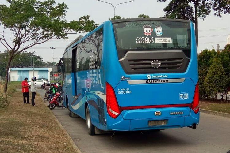 Ilustrasi bus Transjabodetabek di Terminal Poris