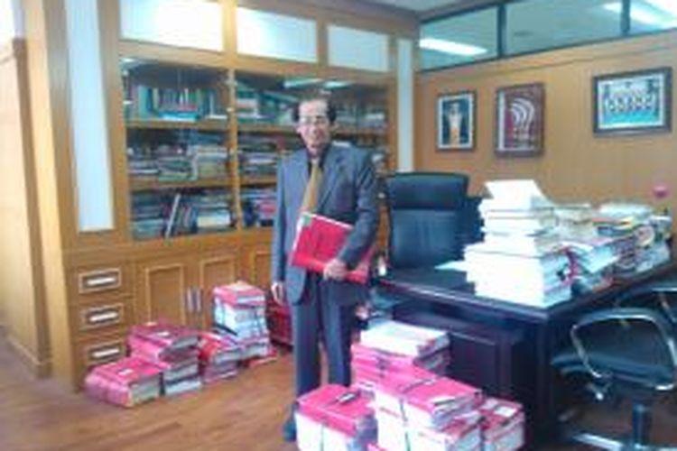 Ketua Kamar Pidana Mahkamah Agung Artidjo Alkostar, di ruang kerjanya, Kamis (18/9/2014).