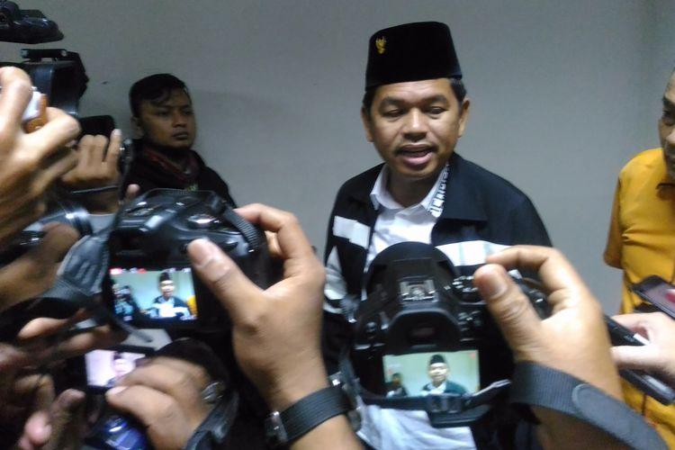 Ketua DPD I Jawa Barat, Dedi Mulyadi, menghadiri diskusi panel yang diselenggarakan sayap organisasi Partai Golkar di Hotel University, Jalan Anggrek Nomor 137, Kelurahab Maguwoharjo, Kecanatan Depok, Kabupaten Sleman, DI Yogyakarta, Minggu (26/11/2017).