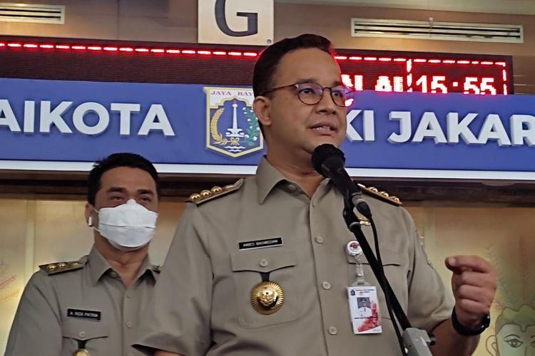 Gubernur DKI Jakarta Anies Baswedan saat konferensi pers persiapan Idul Fitri di masa pandemi Covid-19 di Balai Kota DKI Jakarta, Senin (10/5/2021).
