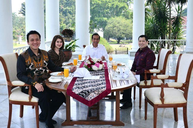 Presiden Joko Widodo menjamu santap siang Ketum PSI Grace Natalie, Ketum Perindo Hary Tanoesoedibjo dan Ketum PKPI Diaz Hendropriyono di beranda Istana Presiden Bogor, Sabtu (28/7/2018).