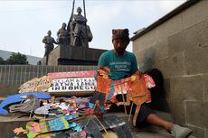 Kisah Pendongeng yang Rela Jalan Kaki Indramayu-Jakarta demi Sekolah Anaknya