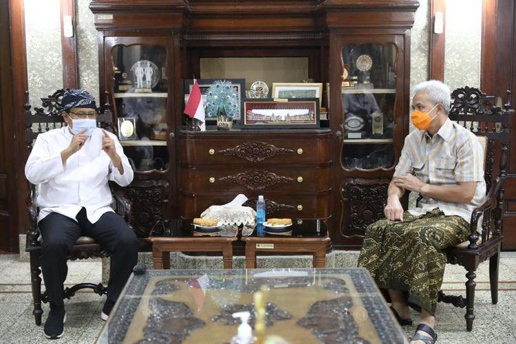 Gubernur Jawa Tengah (Jateng) terpilih sebagai Ketua Umum (Ketum) Indonesiapersada.id dalam Musyawarah Kerja Nasional Luar Biasa (Mukernaslub) yang digelar pada Rabu (7/7/2021).