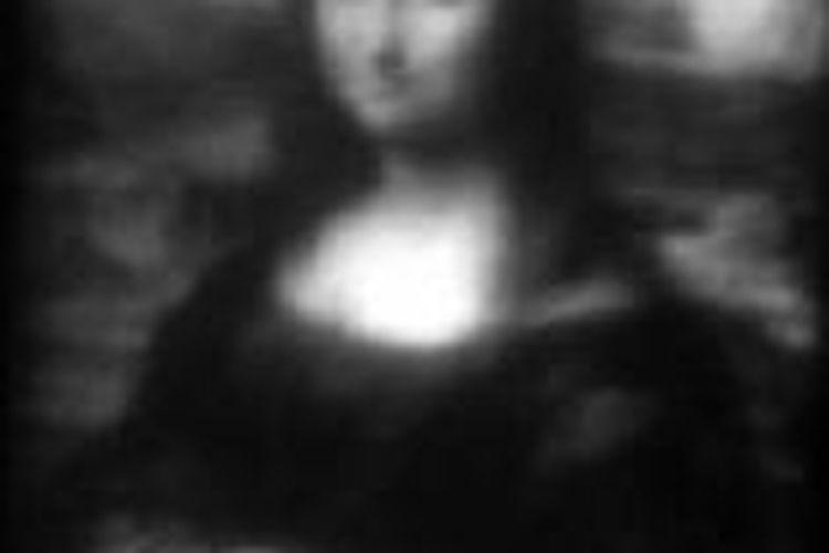 Ilmuwan membuat lukisan Mona Lisa terkecil yang ukurannya hanya 30 mikron.