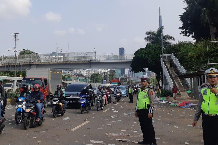 Jalan Gatot Subroto kembali normal pasca demo buruh Senin (20/1/2020)
