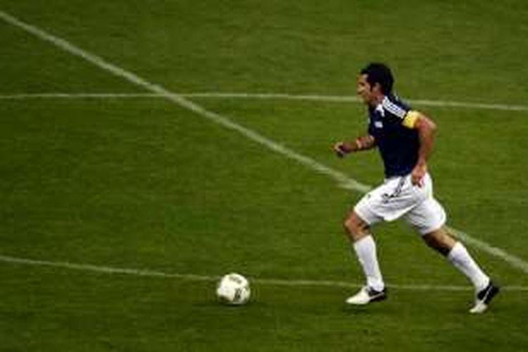 Luis Figo ikut ambil bagian dalam laga amal antara Legenda FIFA dan Bintang Meksiko, Rabu (11/5/2016).