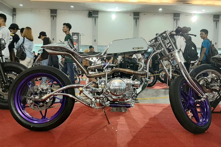 Kawasaki Binter Merzy bergaya cafe racer yang dibekali supercharger
