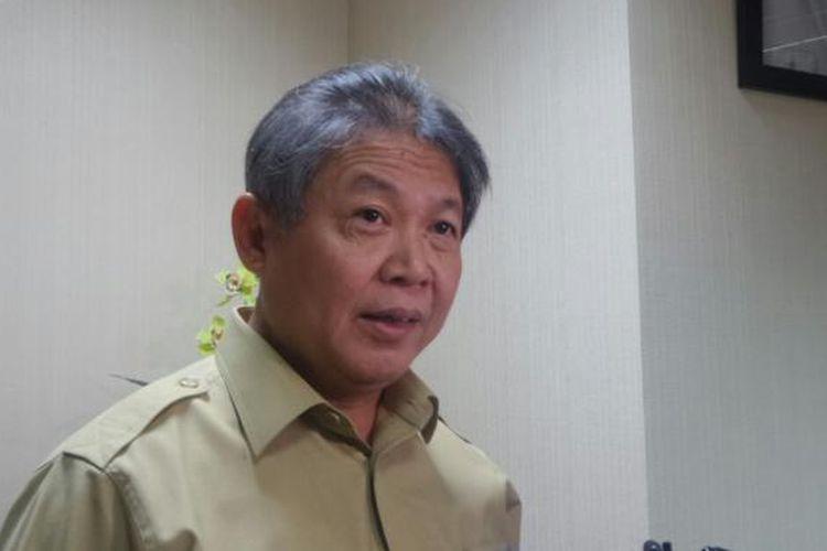 Ketua DPP PDI Perjuangan Hendrawan Supratikno di Kompleks Parlemen, Senayan, Jakarta, Kamis (25/8/2016)