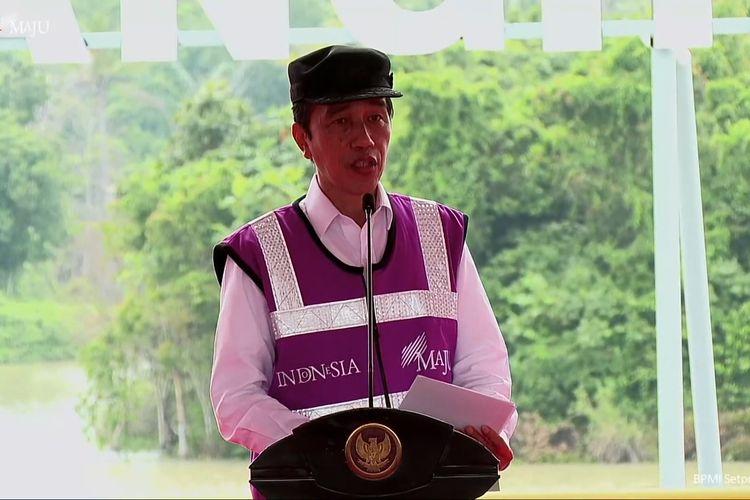 Foto tangkapan layar Presiden Joko Widodo meresmikan Bendungan Sindang Heula di Kecamatan Pabuaran, Kabupaten Serang, Banten, Kamis (4/3/2021).