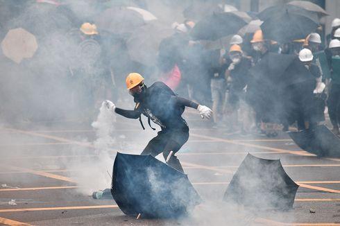 Unjuk Rasa Anti-Triad di Hong Kong Berakhir Ricuh, Polisi Tembakkan Gas Air Mata