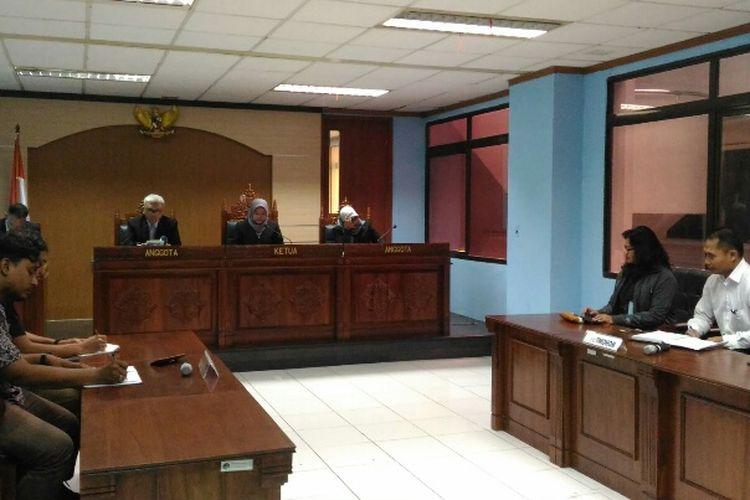 Pengadilan Komisi Informasi Publik Pusat (KIPP) dalam sidang pada Senin (15/5/2017) menolak permohonan informasi dari Koalisi Selamatkan Teluk Jakarta (KSTJ) terkait kajian reklamasi Pantura Jakarta.