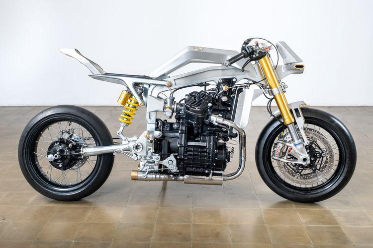Honda GL400 dengan konsep futuristis garapan PAPnMAM Modified.