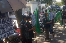 Ganyang Mafia Hukum Demonstrasi Sidang Suap Hakim