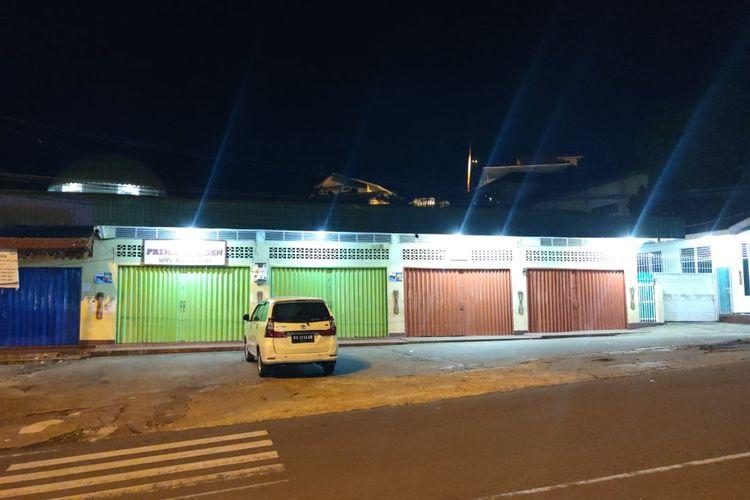 Pertokoan di Kota Jayapura yang diminta tutup saat jenazah Wakil Gubernur Papua Klemen Tinal tiba, Sabtu (22/5/2021).
