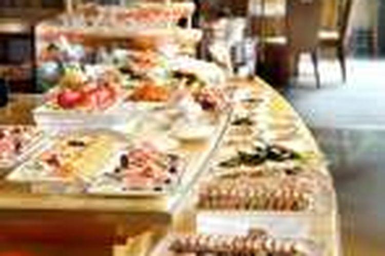 Restoran ini terletak di Conard Hotels and Resorts yang terletak di One Pasific Place, 88 Queensway, Admiralty, Hongkong.