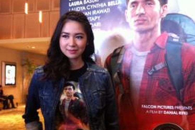 Laura Basuki hadir dalam wawancara usai peluncuran trailer film Haji Backpacker di XXI Epicentrum, Kuningan, Jakarta Selatan, Senin (25/8/2014).