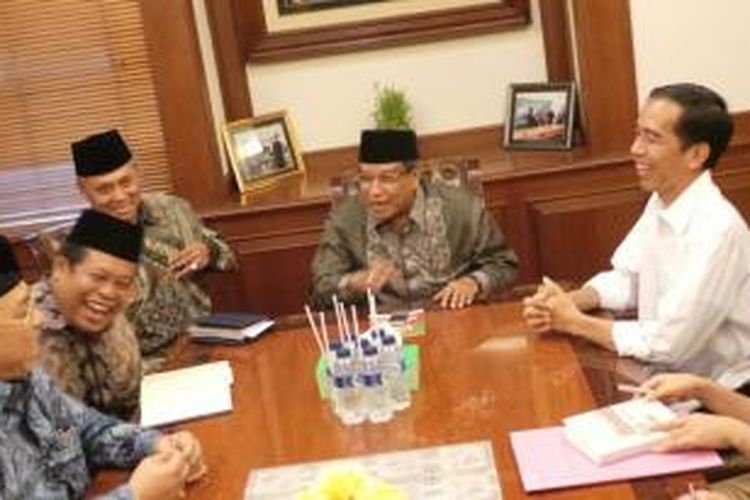 Gubernur Jakarta Joko Widodo bertemu Pengurus Besar Nahdlatul Ulama di kantor PBNU, Rabu (7/1/2014).