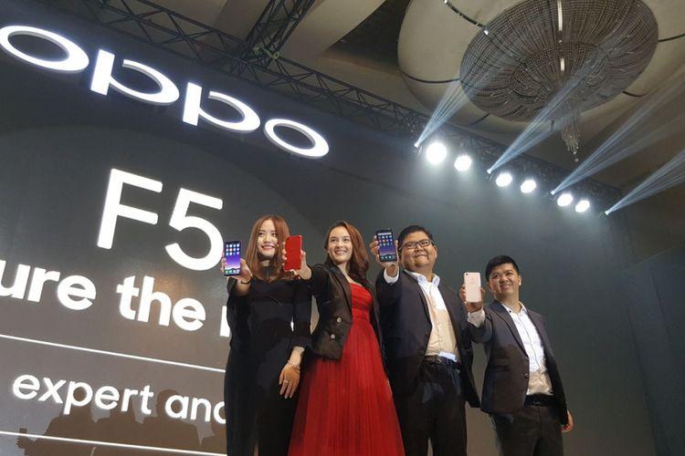Peluncuran Oppo F5 di hotel Ritz Carlton, Pacific Place, Jakarta, Senin (13/11/2017).