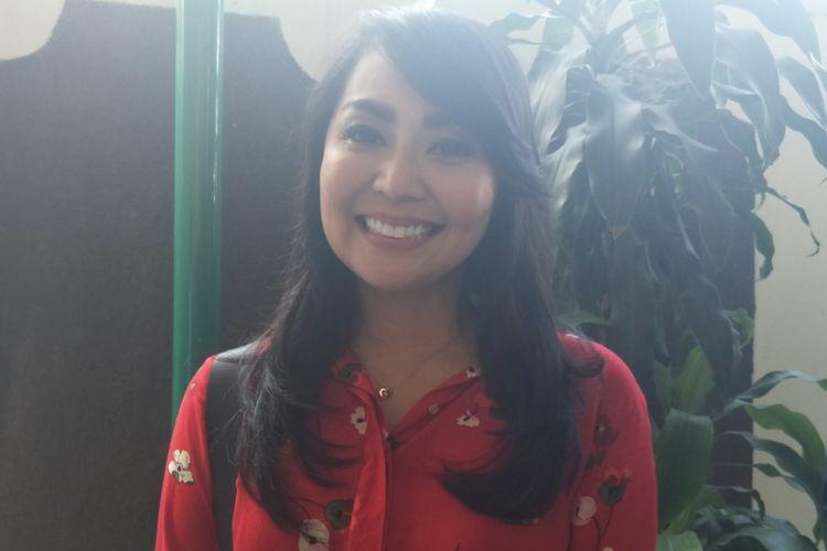 Tessa Kaunang usai menyepakati akta perdamaian dengan mantan suaminya Sandy Tumiwa di Pengadilan Negeri Jakarta Selatan, Kamis (15/3/2018).