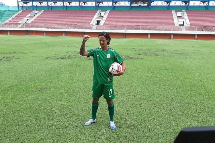 Irfan Bachdim saat mengenakan jersey PS Sleman dengan nomor 17