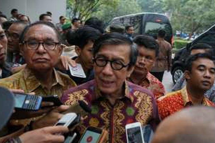 Menteri Hukum dan HAM Yasonna Laoly, saat menghadiri acara syukuran pembebasan bersyarat Antasari Azhar, di Hotel Grand Zuri, Tangerang, Banten, Sabtu (26/11/2016).