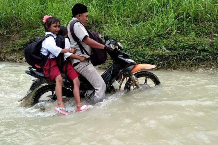 Dokumentasi Andik Santoso, guru honorer yang mengajar di SDN Jipurapah 2, Dusun Kedung Dendeng, Desa Jipurapah, Kecamatan Plandaan, Kabupaten Jombang, Jawa Timur.