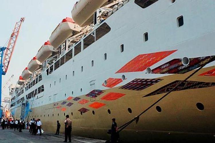 Kapal Motor (KM) Kelud ketika bersandar di Pelabuhan Tanjung Priok, Jakarta, Jumat (21/11/2014). Kapal ini menjadi kapal pertama dari program perbaikan khusus PT Pelni (Persero).