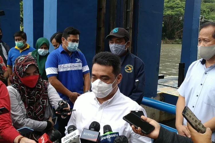 Wakil Gubernur DKI Jakarta Ahmad Riza Patria saat ditemui di Pintu Air Marina, di Jalan Karamg Bolong Hailai Ancol, Jakarta Utara, Sabtu (13/2/2021)