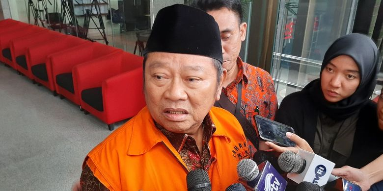 Bupati Sidoarjo Saiful Ilah memberi keterangan kepada wartawan di Gedung Merah Putih KPK , Jumat (10/1/2020).