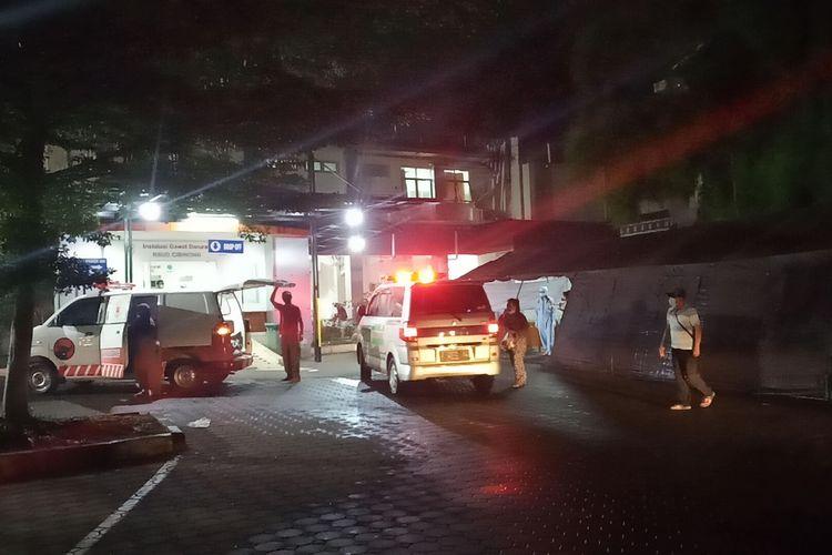 Antrean pasien Covid-19 di rumah sakit Kabupaten Bogor, Jawa Barat, makin panjang. Akibatnya, pasien umum yang butuh penanganan mulai mengalami kesulitan mendapatkan perawatan.